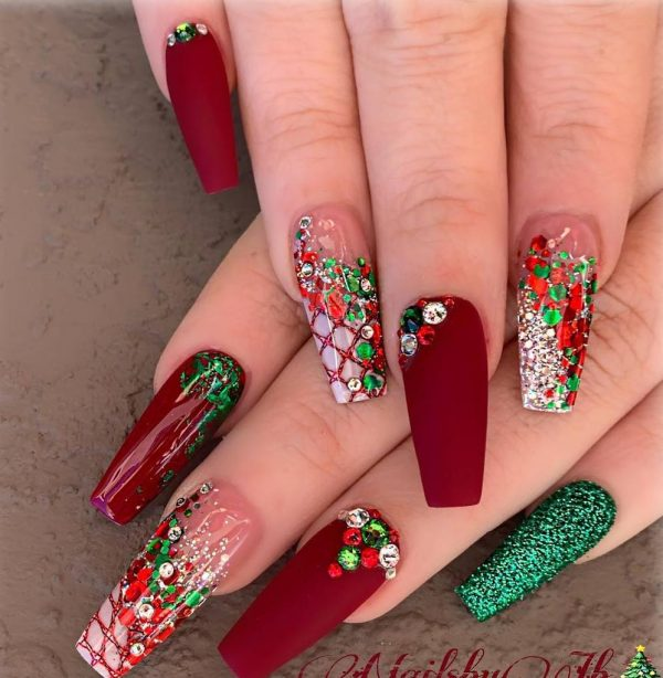 17 - Christmas Nail Art Ideas
