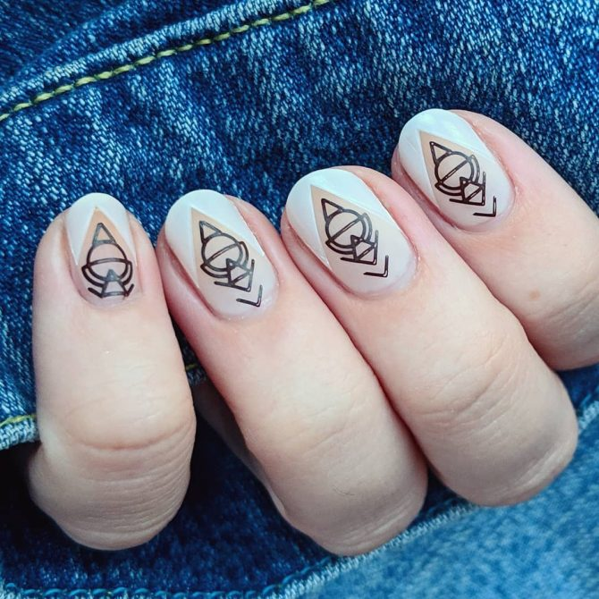 2 - Minimalist Nail Art Designs