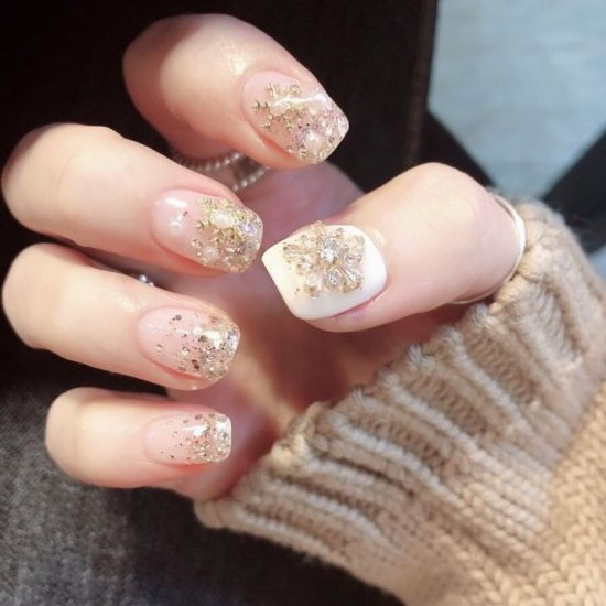 5 Nude Nails With Bling and Glitter