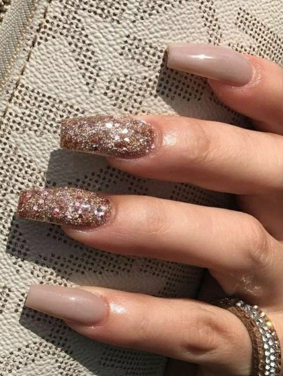 5cf1dNude Nails With Bling and Glitter