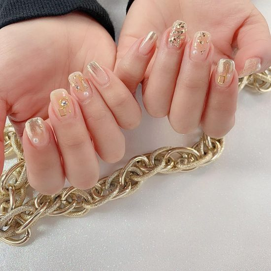 7 Nude Nails With Bling and Glitter